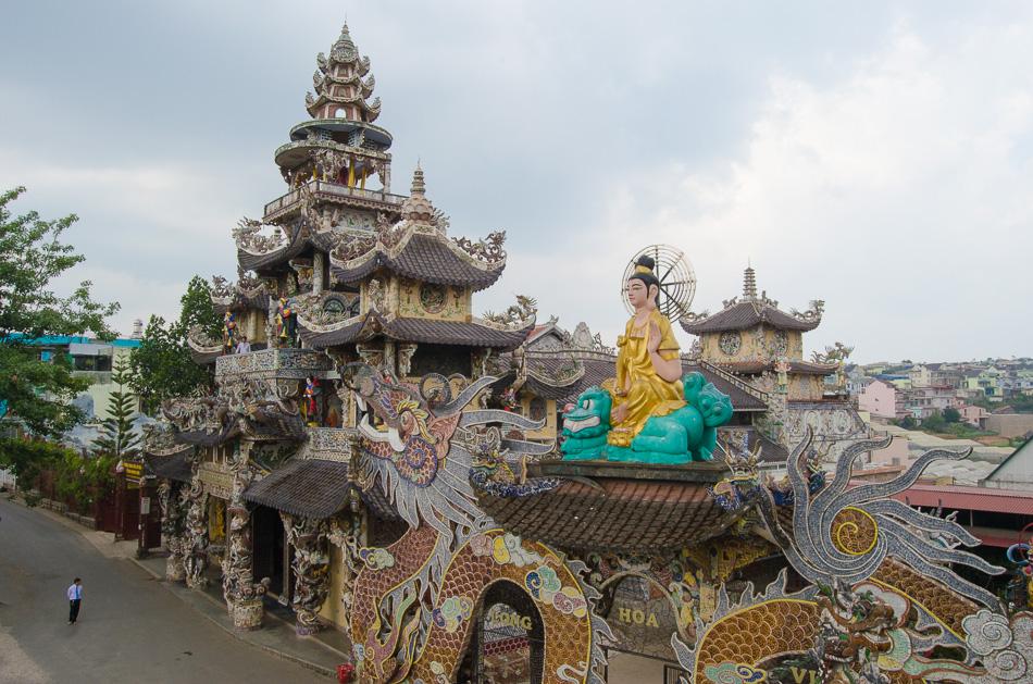 Linh Phuoc Pagoda exterior