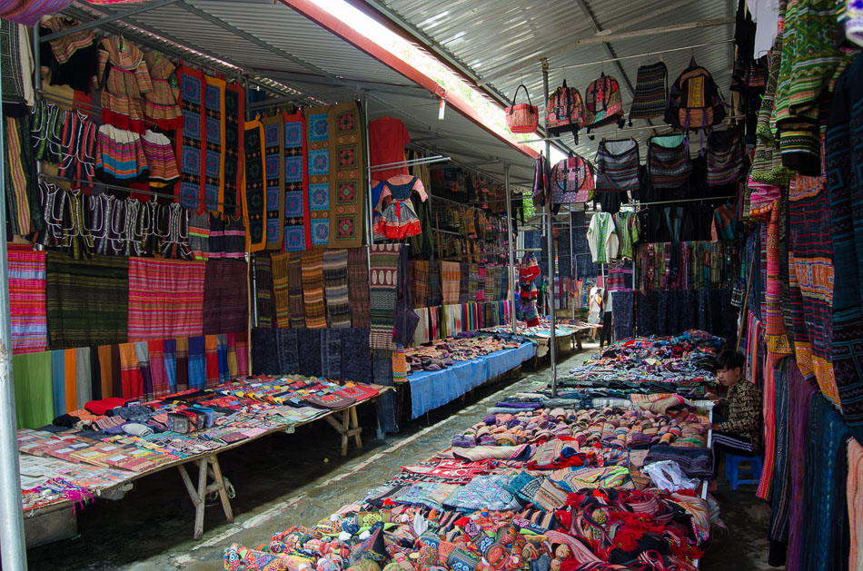 Fabrics and clothes section in the Bac Ha markets