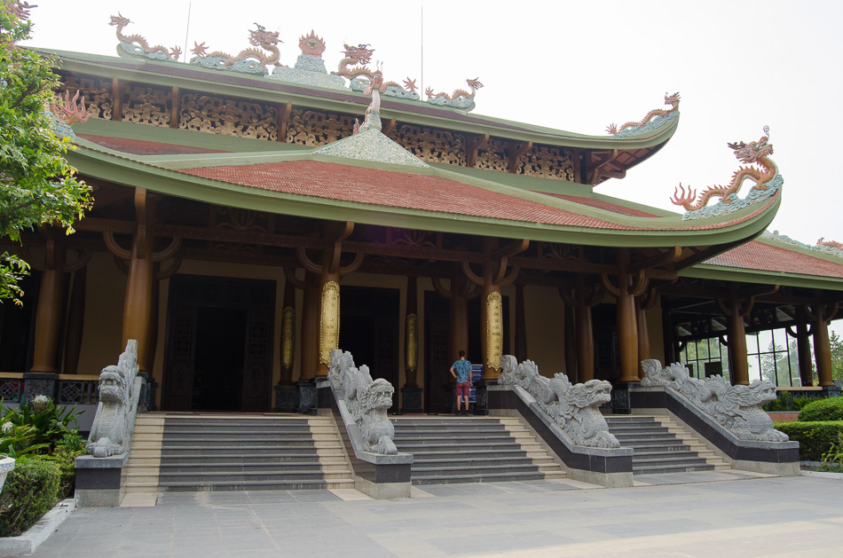 Cu Chi Temple Memorial building